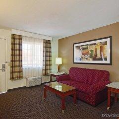 Отель La Quinta Inn & Suites San Diego SeaWorld/Zoo Area комната для гостей фото 3