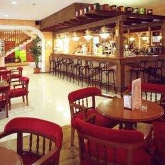 OK Hotel Bay Ibiza гостиничный бар