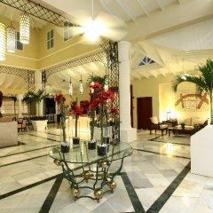 Отель Grand Bahia Principe Aquamarine интерьер отеля