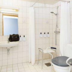 Отель Scandic Grimstad Норвегия, Гримстад - отзывы, цены и фото номеров - забронировать отель Scandic Grimstad онлайн ванная фото 2