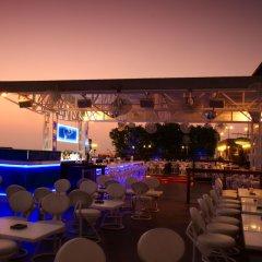 Отель Dubai Marine Beach Resort & Spa ОАЭ, Дубай - 12 отзывов об отеле, цены и фото номеров - забронировать отель Dubai Marine Beach Resort & Spa онлайн гостиничный бар