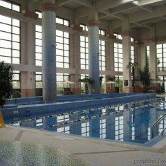 Отель Tongli Lakeview Hotel Китай, Сучжоу - отзывы, цены и фото номеров - забронировать отель Tongli Lakeview Hotel онлайн бассейн