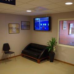 Отель Spoton Hostel & Sportsbar Швеция, Гётеборг - 1 отзыв об отеле, цены и фото номеров - забронировать отель Spoton Hostel & Sportsbar онлайн интерьер отеля фото 3