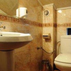 Отель Guesthouse Saint George Болгария, Чепеларе - отзывы, цены и фото номеров - забронировать отель Guesthouse Saint George онлайн ванная