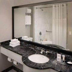 Отель Millennium Times Square New York США, Нью-Йорк - отзывы, цены и фото номеров - забронировать отель Millennium Times Square New York онлайн ванная