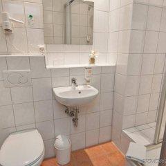 Отель Novum Hotel Hamburg Stadtzentrum Германия, Гамбург - 6 отзывов об отеле, цены и фото номеров - забронировать отель Novum Hotel Hamburg Stadtzentrum онлайн ванная