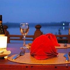 Отель Kalla Bongo Lake Resort Шри-Ланка, Хиккадува - отзывы, цены и фото номеров - забронировать отель Kalla Bongo Lake Resort онлайн гостиничный бар