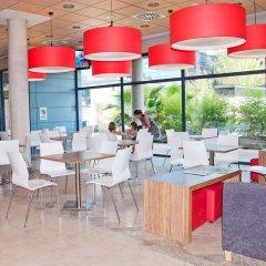 Отель Travelodge Madrid Torrelaguna гостиничный бар