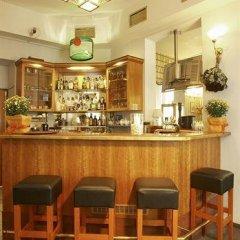 Отель Aron гостиничный бар