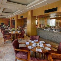 Отель The Grand New Delhi питание
