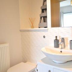 Отель Beautiful Edinburgh Flat With 2 Double Bedrooms Великобритания, Эдинбург - отзывы, цены и фото номеров - забронировать отель Beautiful Edinburgh Flat With 2 Double Bedrooms онлайн ванная