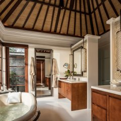 Отель Four Seasons Resort Bali at Jimbaran Bay ванная