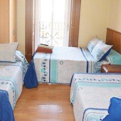Отель Hostal Numancia Стандартный номер с различными типами кроватей