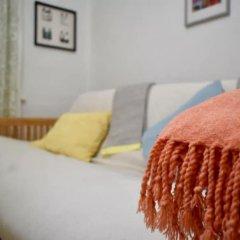 Отель Comfortable 1 Bedroom Flat in Belsize Park Великобритания, Лондон - отзывы, цены и фото номеров - забронировать отель Comfortable 1 Bedroom Flat in Belsize Park онлайн комната для гостей фото 2
