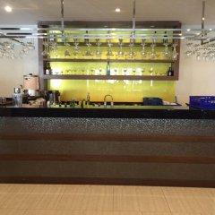 Отель Honey Inn гостиничный бар