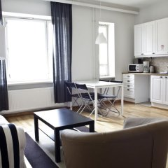 Апартаменты Forenom Serviced Apartments Helsinki Albertinkatu комната для гостей