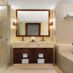 Отель JW Marriott Khao Lak Resort and Spa ванная фото 2