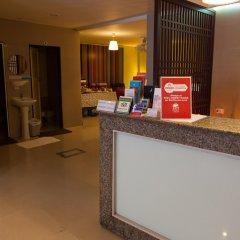 Отель ZEN Rooms Prathunam 17 интерьер отеля