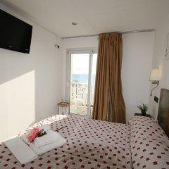 Отель La Carabela Испания, Курорт Росес - отзывы, цены и фото номеров - забронировать отель La Carabela онлайн комната для гостей фото 4