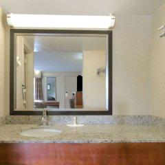 Отель Howard Johnson by Wyndham Washington DC США, Вашингтон - отзывы, цены и фото номеров - забронировать отель Howard Johnson by Wyndham Washington DC онлайн ванная фото 2