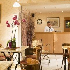 Отель Timhotel Montmartre Париж гостиничный бар