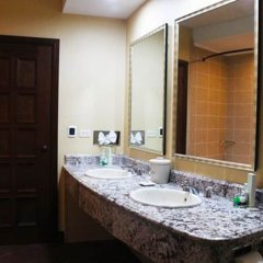 Отель Plaza Juan Carlos Гондурас, Тегусигальпа - отзывы, цены и фото номеров - забронировать отель Plaza Juan Carlos онлайн ванная