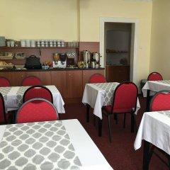 Отель Penzion Village Чехия, Карловы Вары - отзывы, цены и фото номеров - забронировать отель Penzion Village онлайн питание