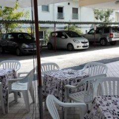 Hotel Sandra Римини парковка