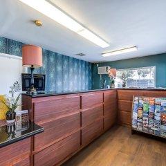 Отель Good Nite Inn West Los Angeles-Century City США, Лос-Анджелес - 1 отзыв об отеле, цены и фото номеров - забронировать отель Good Nite Inn West Los Angeles-Century City онлайн питание фото 3