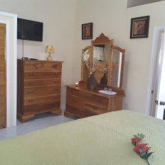 Отель Cazwin Villas Ямайка, Монтего-Бей - отзывы, цены и фото номеров - забронировать отель Cazwin Villas онлайн комната для гостей фото 3