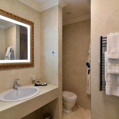 Отель Grand Hotel Yerevan Армения, Ереван - 4 отзыва об отеле, цены и фото номеров - забронировать отель Grand Hotel Yerevan онлайн ванная