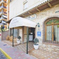 Отель Hostal Los Corchos вид на фасад фото 4