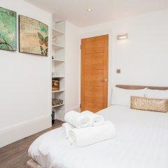 Отель Beautiful 4 Bedroom House in South Kensington комната для гостей фото 3