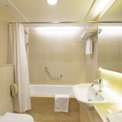 Отель The Salisbury - YMCA of Hong Kong ванная фото 2