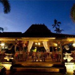 Отель White Rose Kuta Resort, Villas & Spa гостиничный бар фото 3