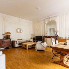 Отель Parisian Charm by Pereire комната для гостей