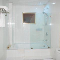 Отель Diamond Suites And Residences Филиппины, Лапу-Лапу - 1 отзыв об отеле, цены и фото номеров - забронировать отель Diamond Suites And Residences онлайн ванная