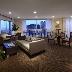 Отель Delta Hotels by Marriott Montreal комната для гостей фото 5