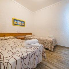 Отель Apartaments AR Muntanya Mar Испания, Бланес - отзывы, цены и фото номеров - забронировать отель Apartaments AR Muntanya Mar онлайн комната для гостей фото 5