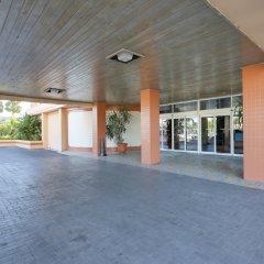 Отель Dolphin Beach Resort парковка