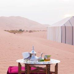 Отель Saharian Camp Марокко, Мерзуга - отзывы, цены и фото номеров - забронировать отель Saharian Camp онлайн приотельная территория фото 2