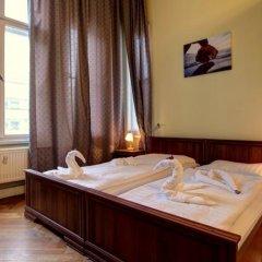 Отель Pension Bernstein am Kurfürstendamm Германия, Берлин - 1 отзыв об отеле, цены и фото номеров - забронировать отель Pension Bernstein am Kurfürstendamm онлайн сейф в номере