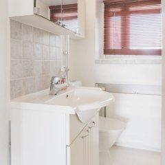 Апартаменты Local Nordic Apartments - Brown Bear Ювяскюля ванная