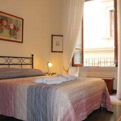 Отель ViaRoma Suites - Florence сейф в номере
