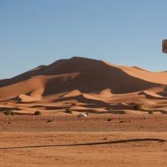 Отель Kasbah Bivouac Lahmada Марокко, Мерзуга - отзывы, цены и фото номеров - забронировать отель Kasbah Bivouac Lahmada онлайн пляж фото 2
