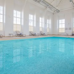 Отель Microtel Inn & Suites by Wyndham Cuauhtemoc бассейн