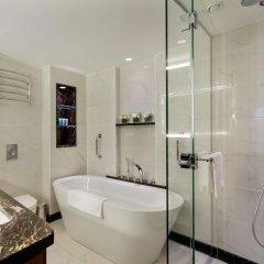 Conrad Istanbul Bosphorus Турция, Стамбул - 3 отзыва об отеле, цены и фото номеров - забронировать отель Conrad Istanbul Bosphorus онлайн ванная
