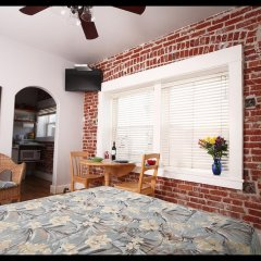 Отель Venice Beach Suites & Hotel США, Лос-Анджелес - отзывы, цены и фото номеров - забронировать отель Venice Beach Suites & Hotel онлайн комната для гостей фото 4