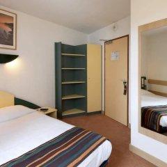 Hotel Reseda сейф в номере