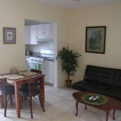 Отель Beautiful Home in Burbank США, Бербанк - отзывы, цены и фото номеров - забронировать отель Beautiful Home in Burbank онлайн комната для гостей фото 4